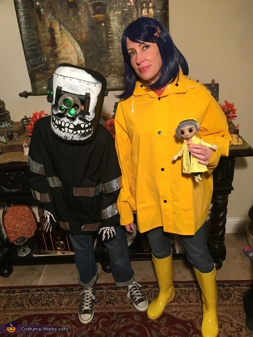 Coraline Family Halloween Costume Photo 3 4