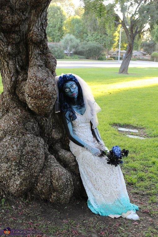 Corpse Bride leaning on tree, Corpse Bride Costume