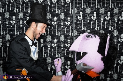 The Count Vs. Abe Lincoln, Count Von Count Costume