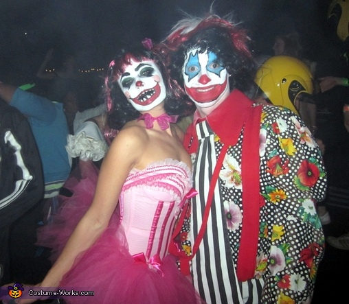 Crazy Clown Couple Costume