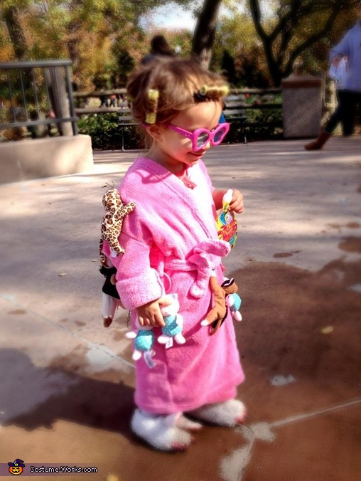Crazy Cat Lady Costume Idea for Girls