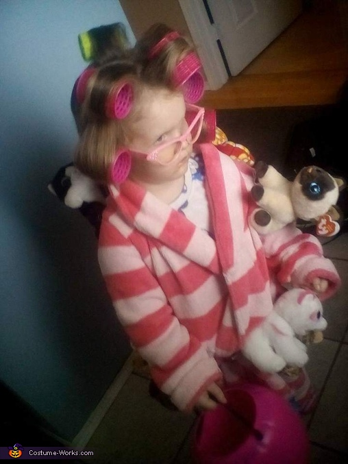 My daughter as the crazy cat lady!, Crazy Cat Lady Costume