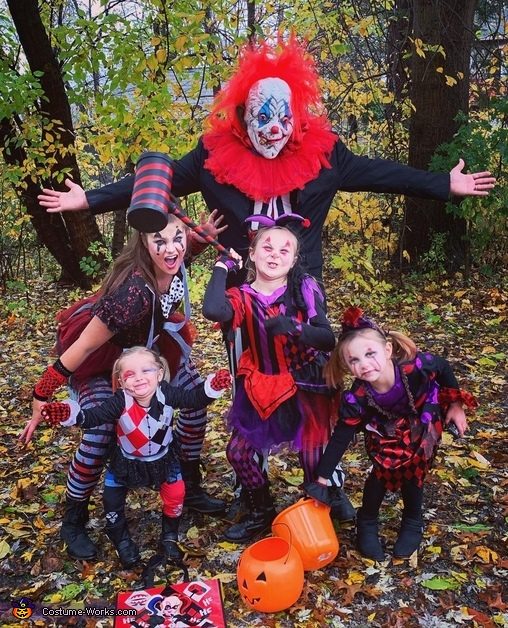 Creepy Clowns with no frowns Costume