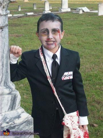 Creepy Coroner, Creepy Coroner Costume