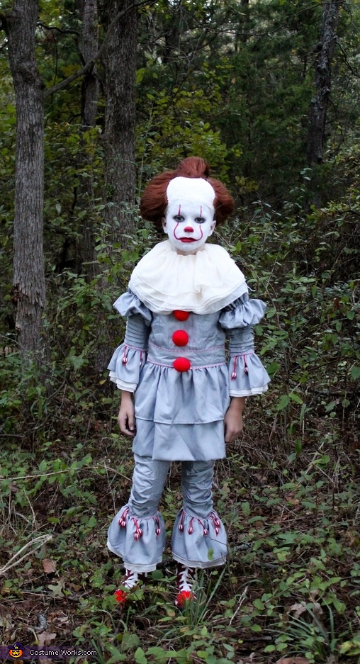Creepy Pennywise Costume