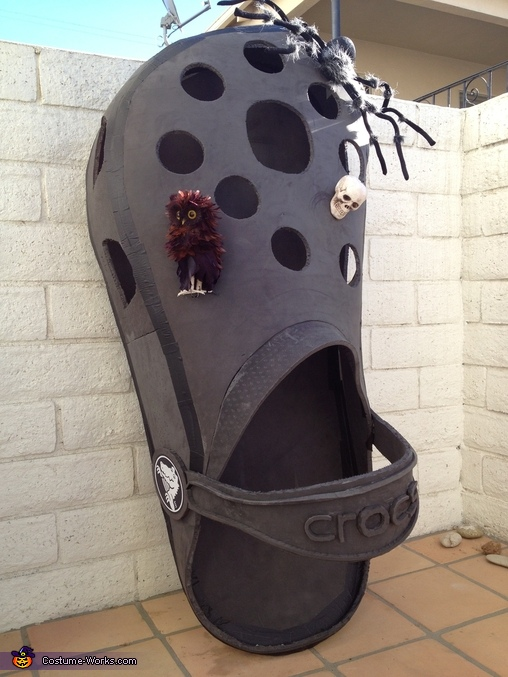 CROC side view, Croc Shoe Costume