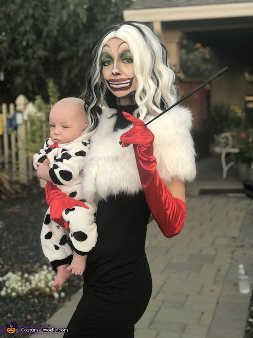 Cruella and her Stolen Puppies Homemade Costume