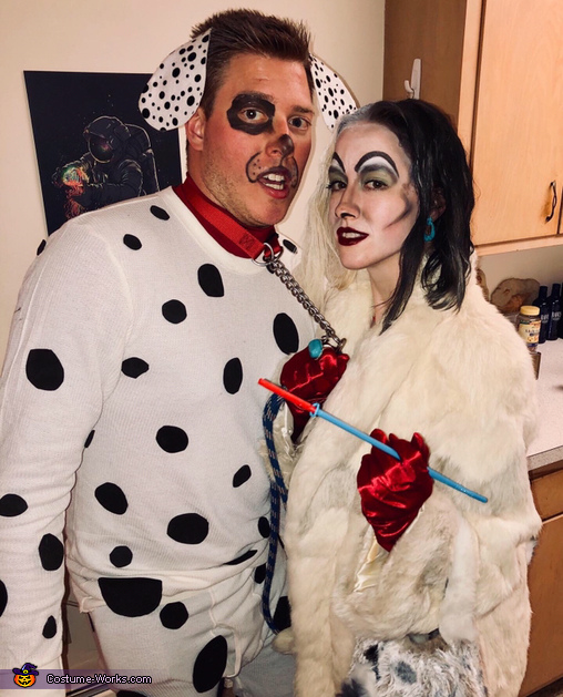 Cruella de Vil & Rolly, Cruella de Vil Costume