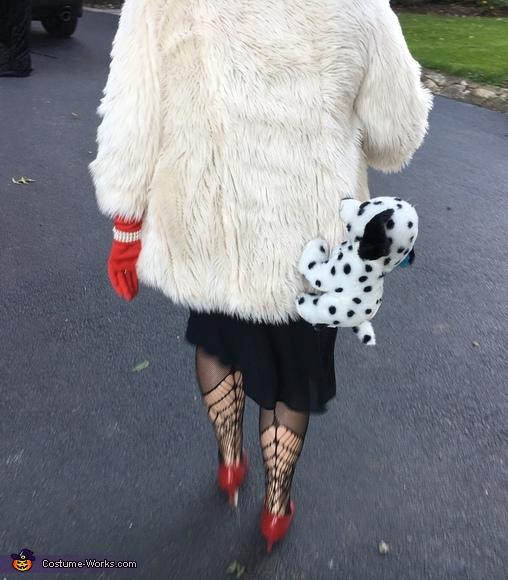 back, Cruella de Vil Costume