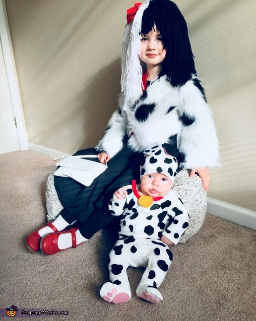 sc 1 st  Costume Works & Cruella De Vil and Dalmation Puppy Costume
