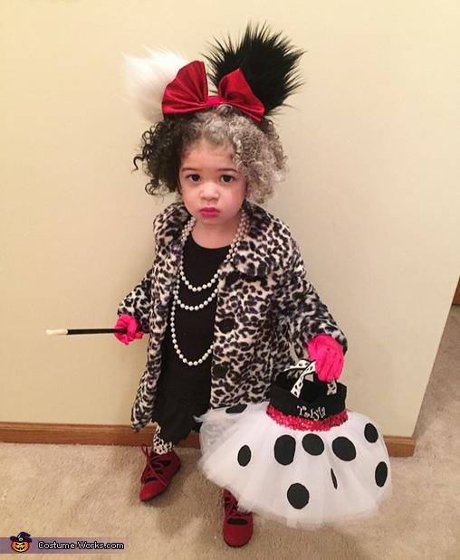 Talyia Dressed as Cruella De Vil, Cruella De Vil and her Dalmatians Costume
