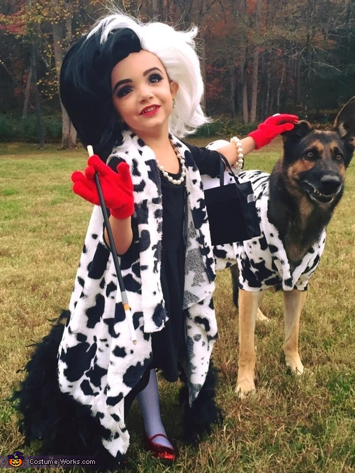 Cruella de Vil and her Terrified Dalmatian Costume