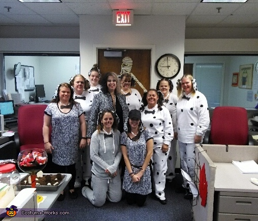 General District, Cruella DeVil and her 9 Dalmatians Costume