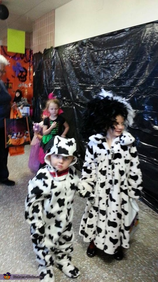 Cruella and Dalmation Trick or Treat, Cruella Deville and Dalmatians Costume