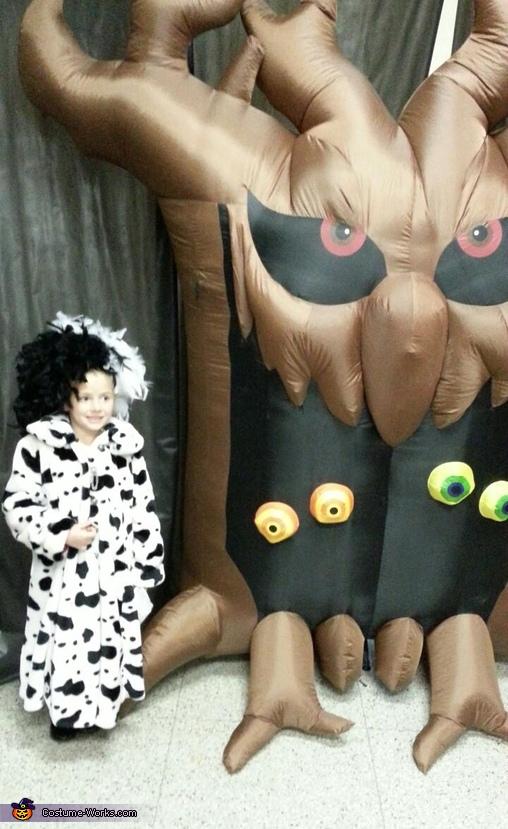 Cruella and Spooky Tree, Cruella Deville and Dalmatians Costume