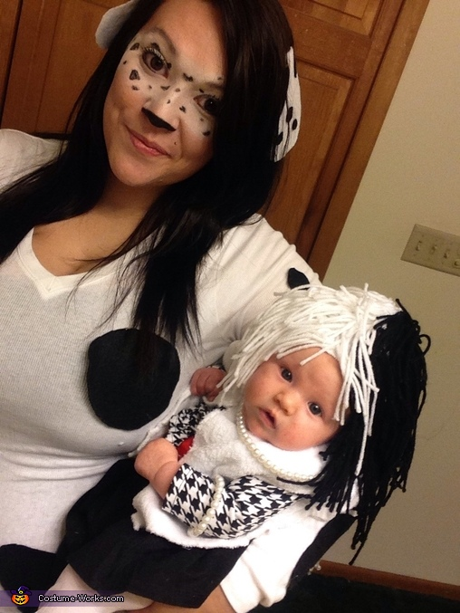 Cruella Deville and her Dalmatian Costume  sc 1 st  Costume Works : mother baby halloween costumes  - Germanpascual.Com