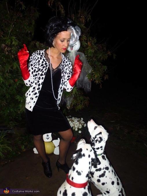 Cruella & her Dals Costume