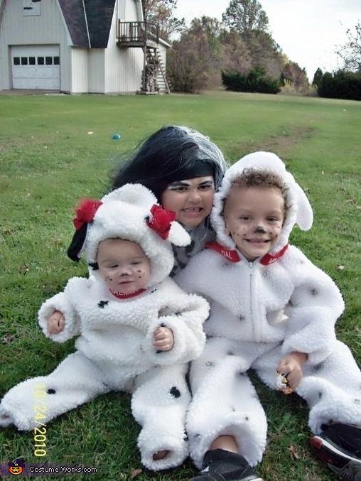 Cruella & her Pups Costume