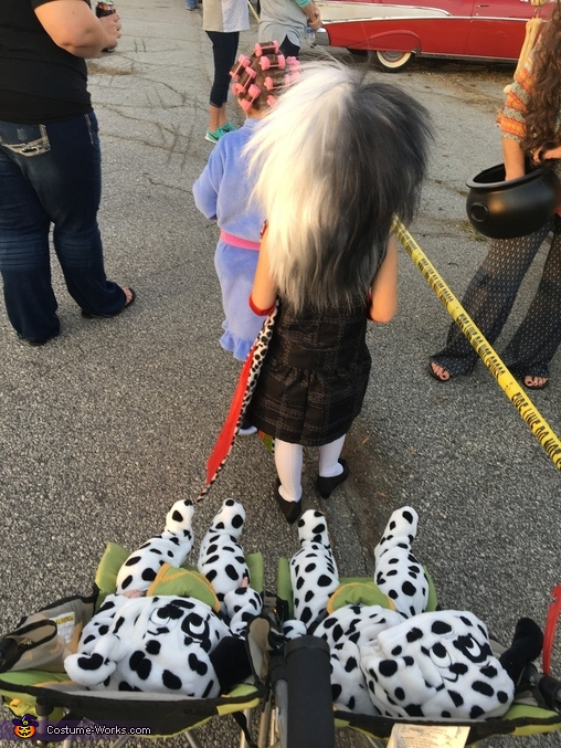 Cruella looking for more little treats to take, Cruella & her Pups Costume