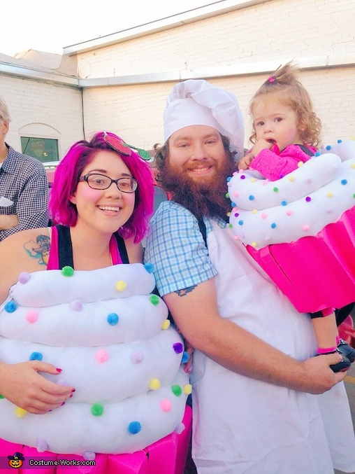 Cupcake family, Cupcakes and Baker Family Costumes