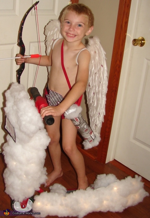 Riding in on Cloud 9, Cupid Costume