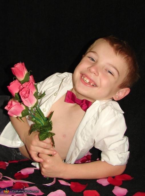 Cupid Eli , Cupid Costume