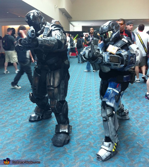 Custom Halo Spartan Armor & Custom Halo Spartan Armor Costume - Photo 2/3