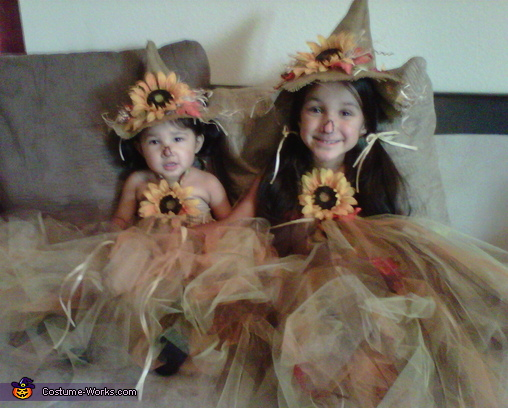 Cute Scarecrows Halloween Costumes
