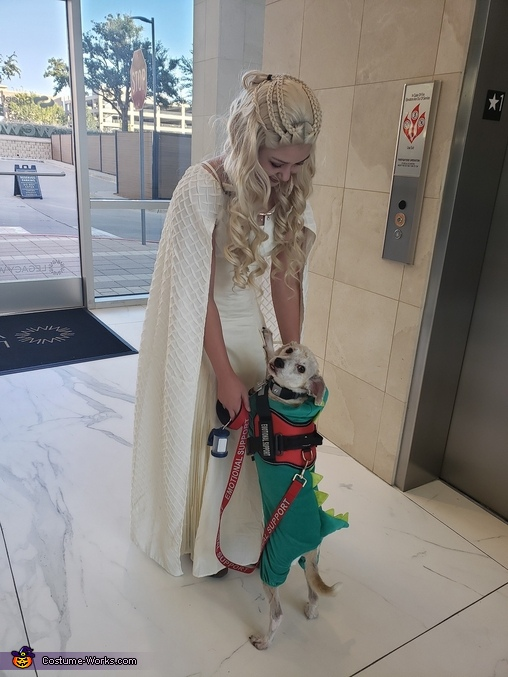 Daenerys and doggo dragon, Daenerys Targaryen and Jon Snow Costume