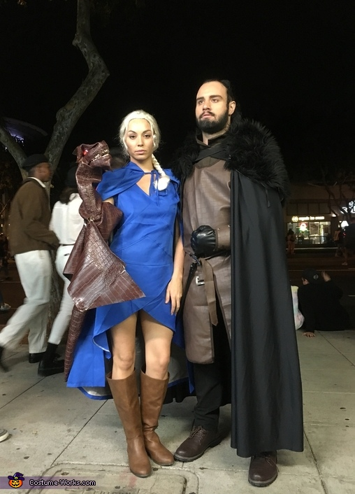 Daenerys Targaryen, Jon Snow and Dragon: Game Of Thrones Costume
