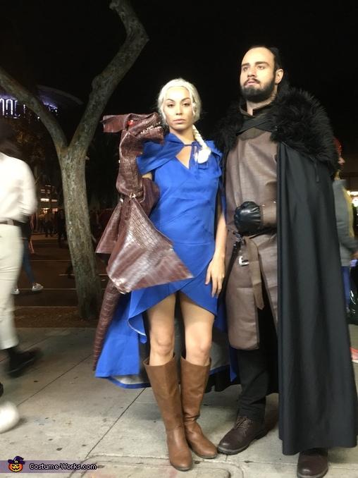 Full outfit, Daenerys Targaryen, Jon Snow and Dragon: Game Of Thrones Costume