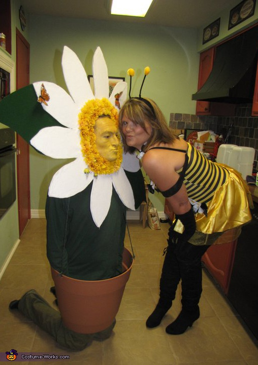 Daisy and Bee - Homemade costumes for couples