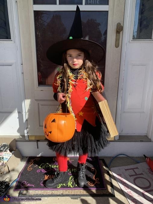 It's just a bunch of hocus pocus, Dani Dennison Costume