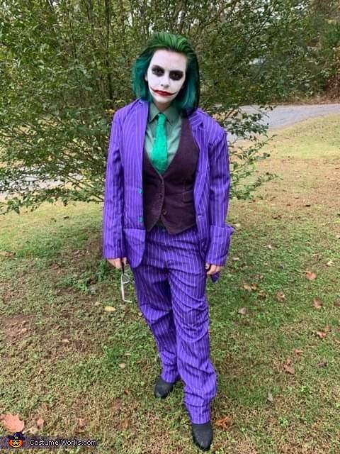 Pose 2, Dark Knight Joker Costume