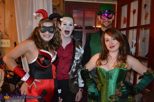 the DC crew/DC villains, DC Villains Group Costume