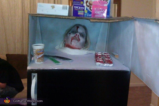 Dead Frozen Head in the Refrigerator Costume