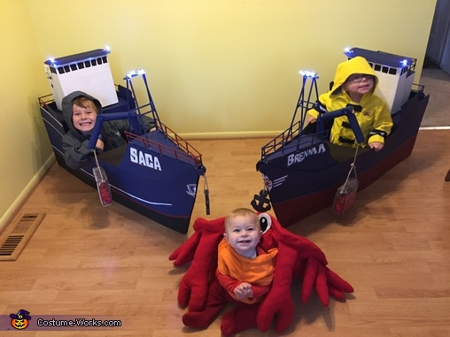 The boats and they crab, Deadliest Catch Crew Costume