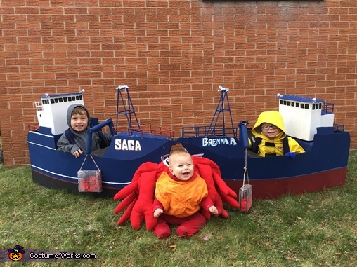 The boats and their catch, Deadliest Catch Crew Costume