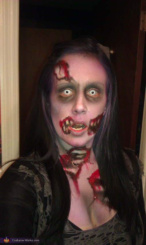 Decomposing Zombie - Homemade costumes for adults