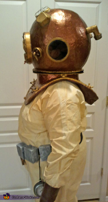 Side 2, Deep Sea Diver Costume