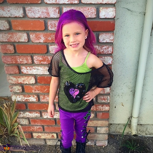 Maizie Joe as Mal from Descendants, Descendants Mal Costume