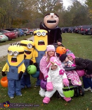 Davis Family Halloween 2013, Despicable Me Family Costume