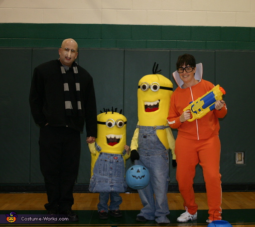 Despicable Me - Homemade costumes for families
