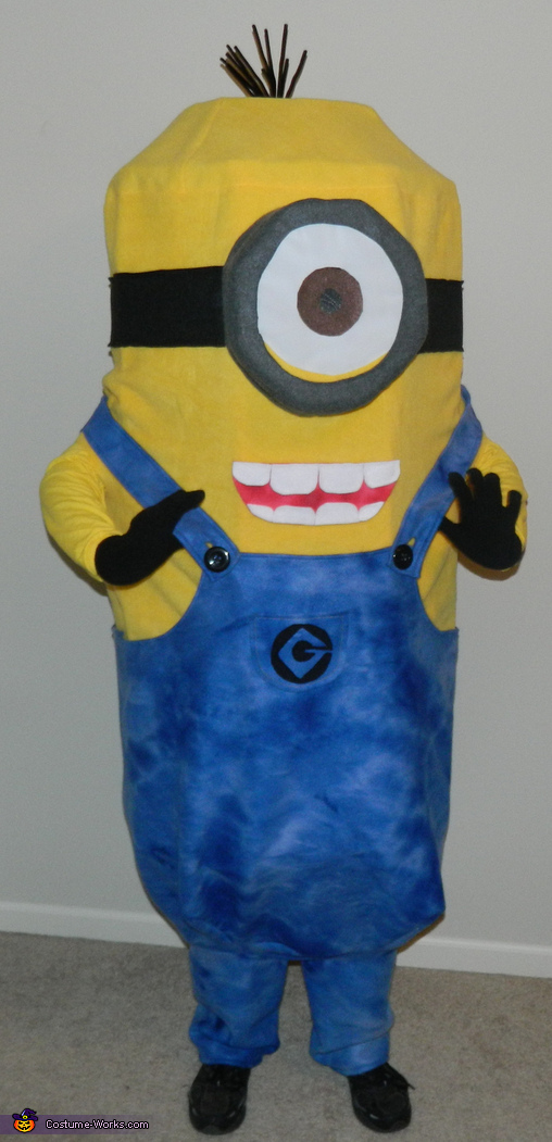 Front view, Despicable Me Minion Kevin Costume