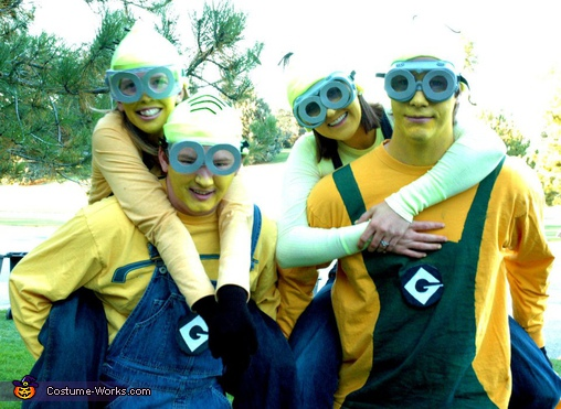 The minion group, Despicable Me Minions Costume