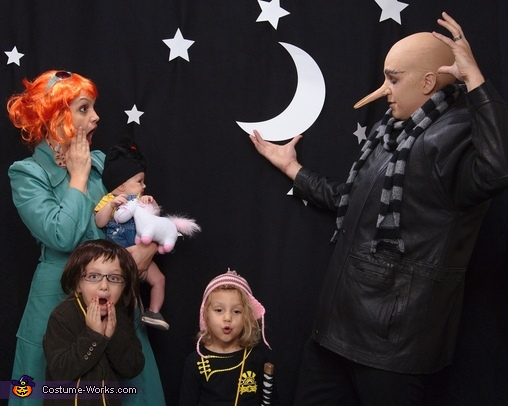 Gru stealing the moon - oh no!, Despicable Us Despicable Me Family Costume