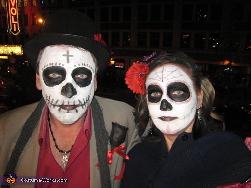 Dia De Los Muertos Couples Costume