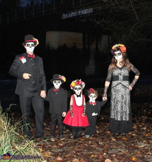 Dia de los Muertos Family Costume