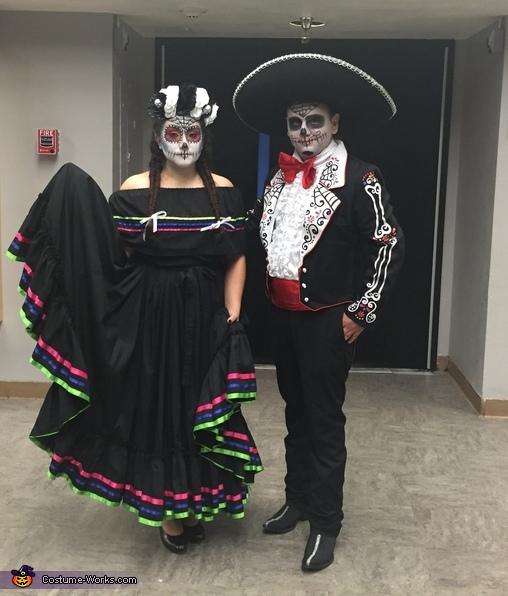 Dia de los Muertos Folklorico Dancers Costume