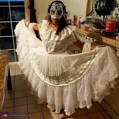 Dia de los Muertos, La Catrina Costume